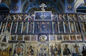 16870545-interior-of-the-trinity-cathedral-in-pochaev-lavra-pochayiv-near-lvov-ukraine-icons-of-the-saints-on